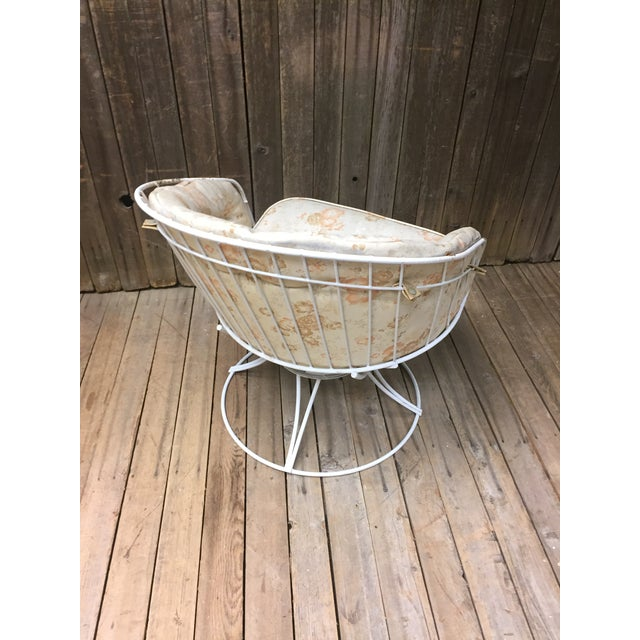 Homecrest Mid Century Modern White Homecrest Swivel Metal Chair For Sale - Image 4 of 11