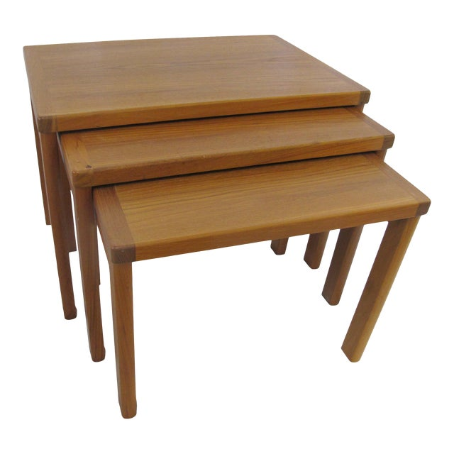1960s Mid Century Modern Vejle Stole Mobelfabrik Teak Denmark Nesting Tables - Set of 3 For Sale