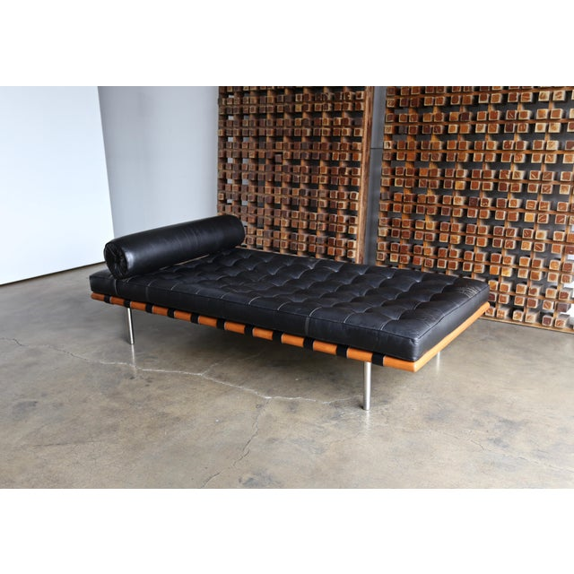 Brown Mies Van Der Rohe Leather & Walnut Daybed for Knoll, 1983 For Sale - Image 8 of 11