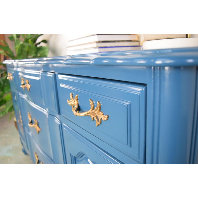 19th Century French Provincial Thomasville Blue Sideboard For Sale In San Francisco - Image 6 of 13