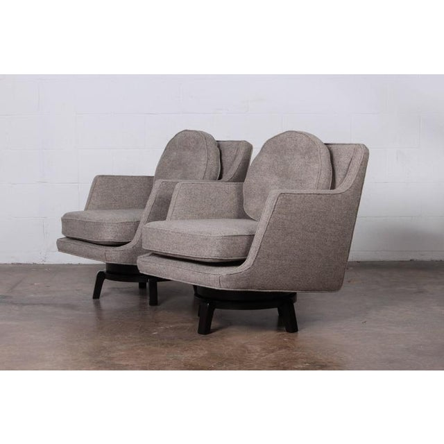1950s Pair of Swivel Chairs by Edward Wormley for Dunbar For Sale - Image 5 of 10