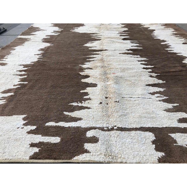 Turkish Floor Oversize Handwoven Brown and White Hemp Rug For Sale - Image 9 of 10