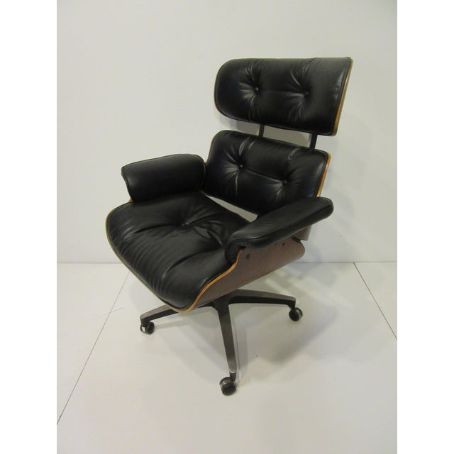 Mid 20th Century Mid-Century 670 Walnut / Leather Rolling Desk Chair by Selig For Sale - Image 5 of 11