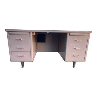 1970's Vintage Steelcase Metal Tanker Desk For Sale