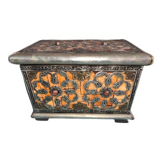 Vintage Moroccan Berber Jewelry Box - Flowers & Hand-Carved Bone For Sale