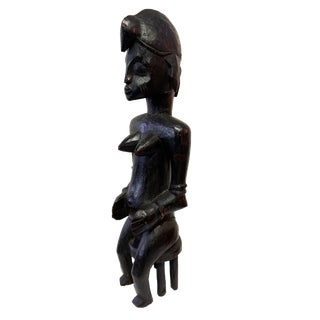 """Senufo Mid Century Ebony Wood Sculpture of a Seated Female 15.5"""" H For Sale"""