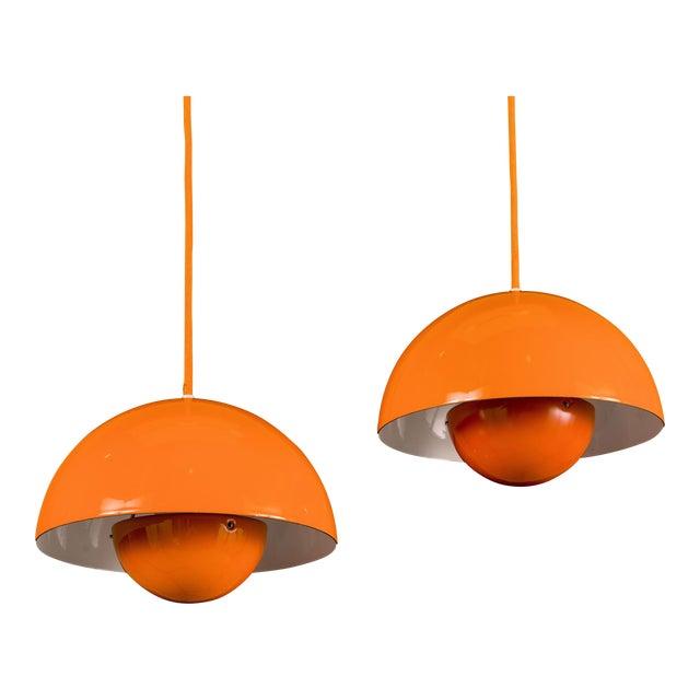 Mid-Century Modern Verner Panton Enamel Flowerpot Pendant Lights for Louis Poulsen, Denmark - a Pair For Sale