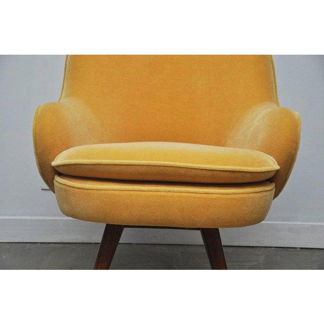 Mid-Century Modern Vladimir Kagan Walnut Frame Lounge Armchair For Sale - Image 3 of 11