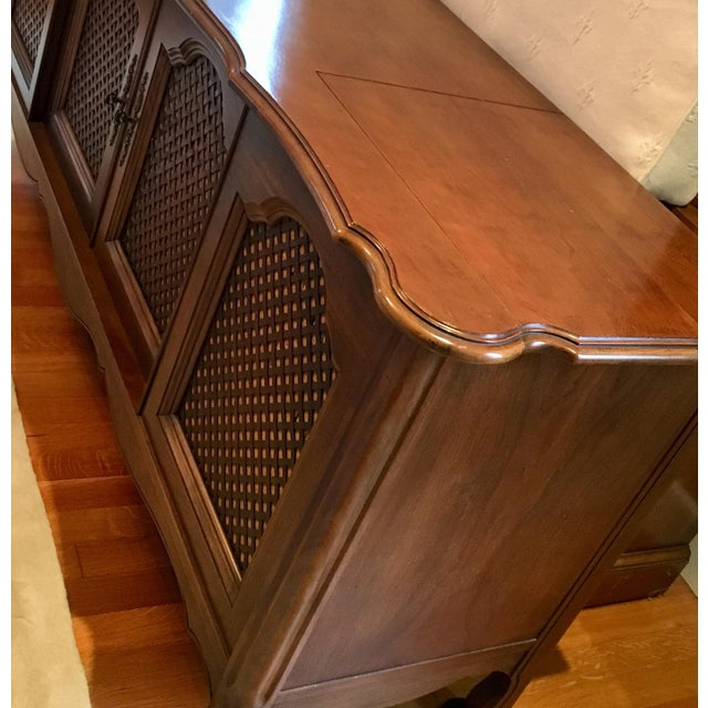 1960s Credenza With Built-In Record Player & Stereo For Sale - Image 5 of 12