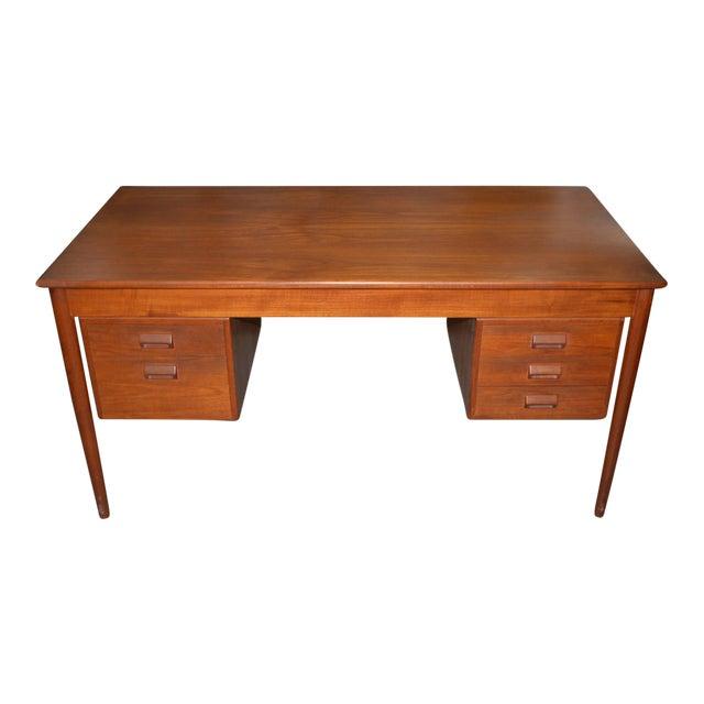 Vintage Danish Modern Teak Desk by Børge Mogensen for Søborg Møbler C.1960s For Sale