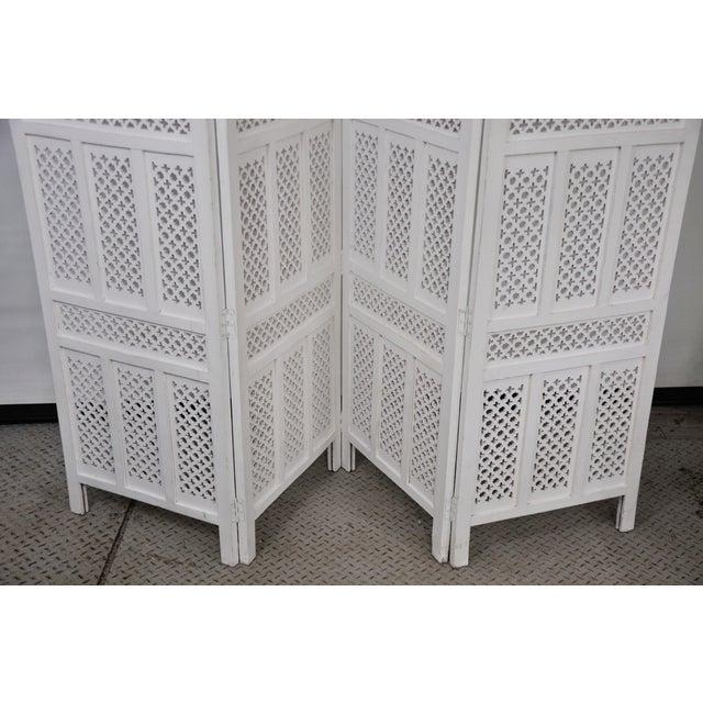 Mediterranean Vintage Mashrabiya Wooden Floor White Screen For Sale - Image 3 of 13