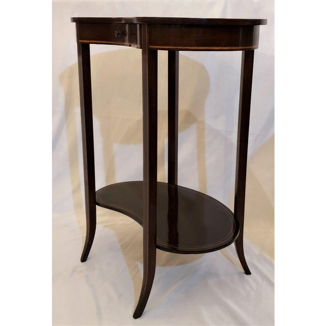 English Traditional Antique English Mahogany Kidney-Shaped Table, Circa 1880. For Sale - Image 3 of 6