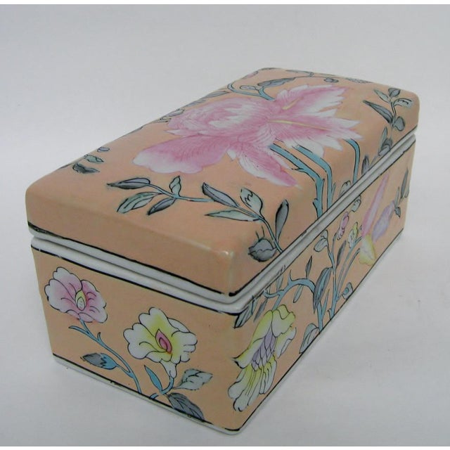 Late 20th Century Chinese Porcelain Lotus Box For Sale - Image 5 of 8