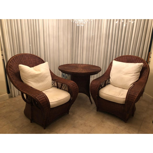 Ralph Lauren set of 3: 2 Garden chairs and 1 round table . Original linen fabric. very good condition