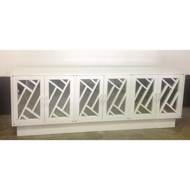 White Chippendale Style Mirrored Credenza - Image 3 of 11