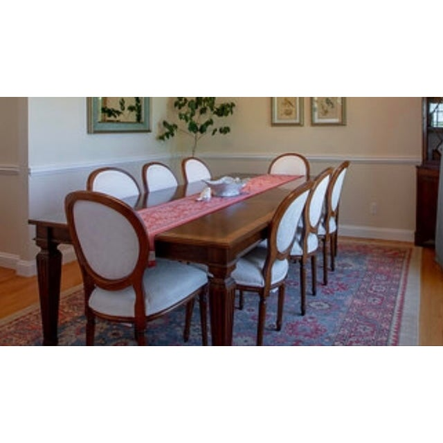 Ethan Allen Louis XIV Goodwin Dining Table With Ballard White Matelasse Chairs Set For Sale In New York - Image 6 of 6