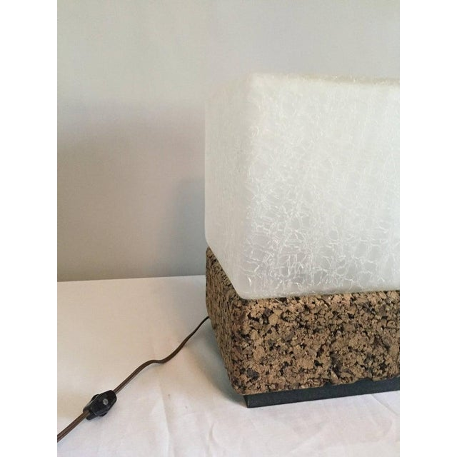 1970s Final Markdown- 1970s Vintage Modern Cube Cork & Glass Shade Table Lamp For Sale - Image 5 of 6