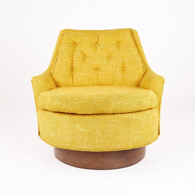 Adrian Pearsall Style Mid Century Swivel Lounge Chair This chair measures: 30.5 wide x 33 deep x 28.5 inches high, with a...