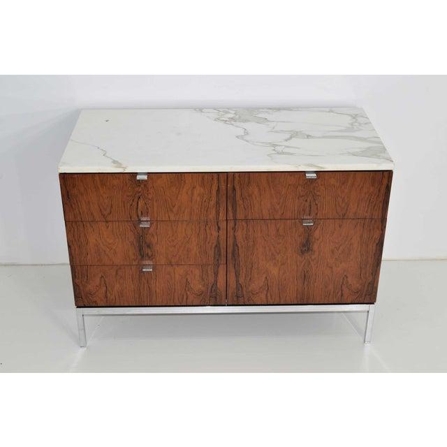 Florence Knoll Rosewood Credenza With Calacatta Marble Top For Sale In Dallas - Image 6 of 9