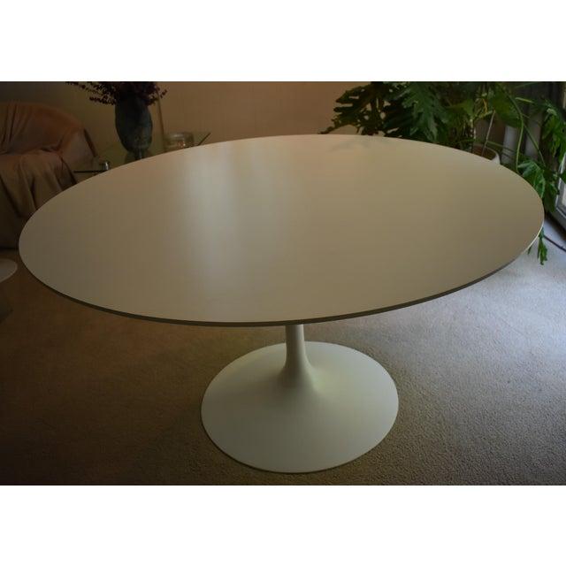 Mid-Century Modern Saarinen Pedestal Dining Table For Sale In Detroit - Image 6 of 8