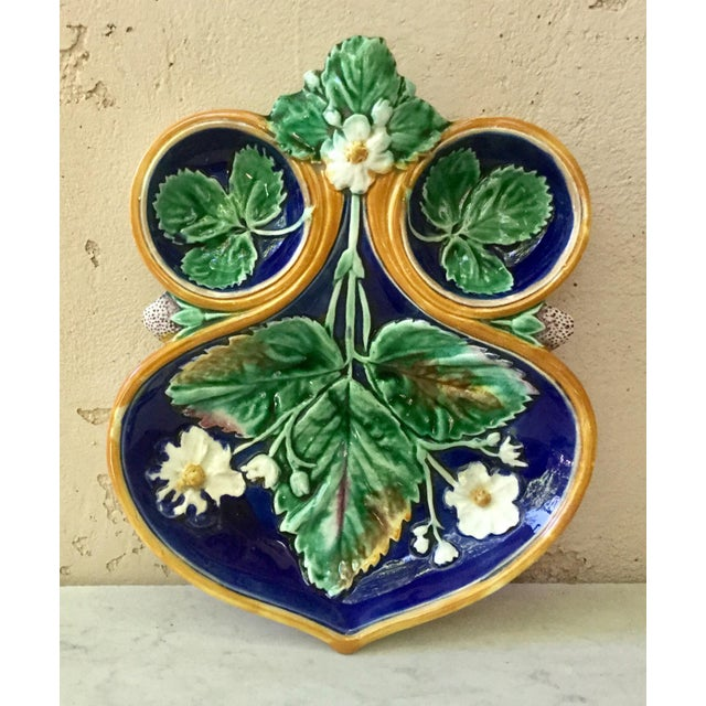 19th Century Wedgwood Majolica Strawberry Server For Sale - Image 9 of 9