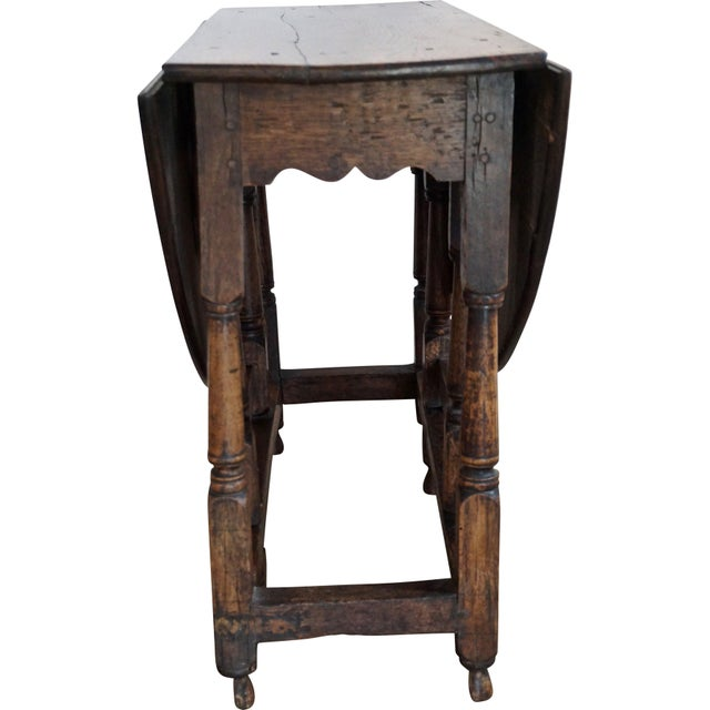 18th Century English Oak Drop Leaf Gateleg Table For Sale - Image 4 of 13