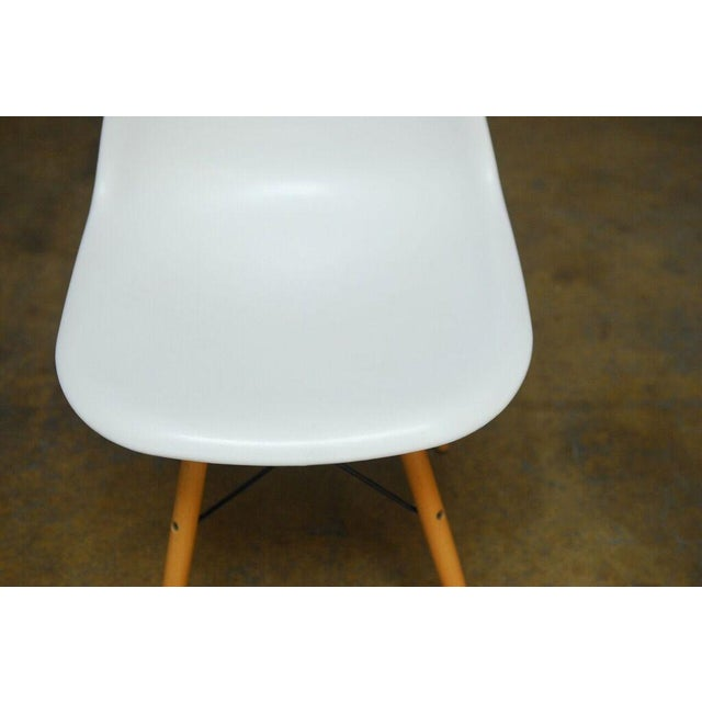 Set of Four Herman Miller Dsw Style Dining Chairs - Image 6 of 11