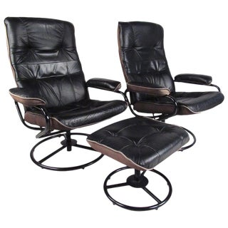 Pair of Scandinavian Modern Reclining Lounge Chairs With Ottoman For Sale
