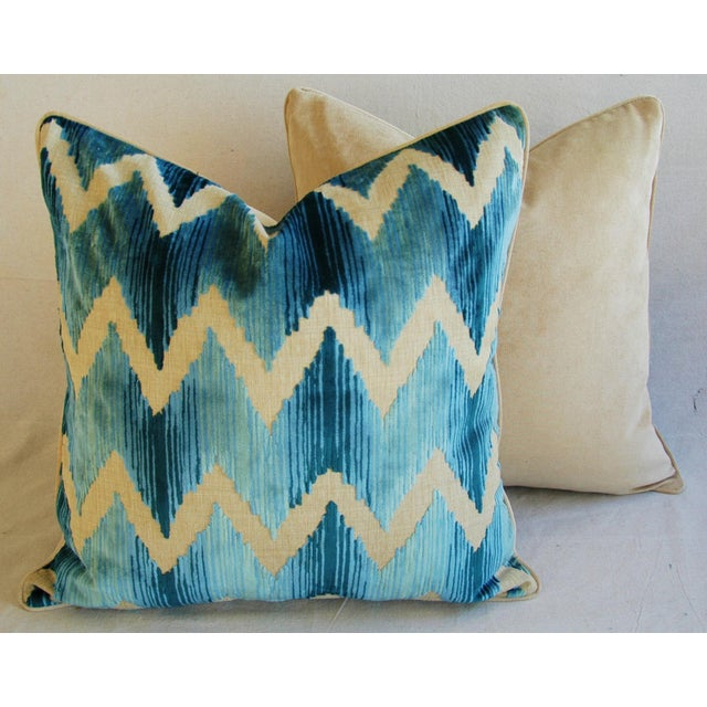 "White Boho Chic Chevron Flamestitch Cut Aqua Velvet Feather/Down Pillows 24"" Square - Pair For Sale - Image 8 of 15"