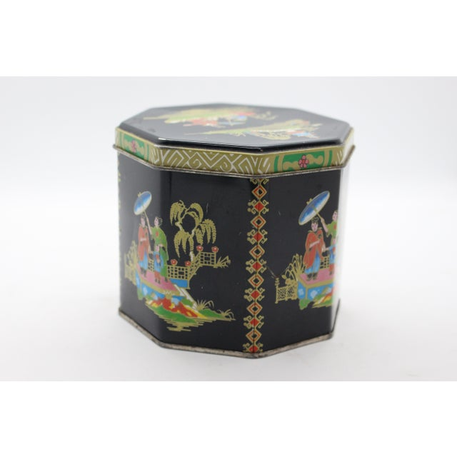 1990s 1990s Tin Box Company Chinoiserie Pictorial Box For Sale - Image 5 of 8
