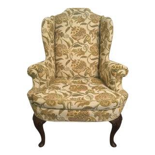 Vintage Henredon Pineapple Motif Linen and Mahogany Wing Back Chair For Sale