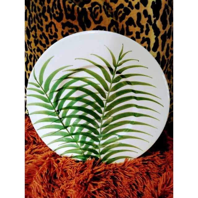 1990s Set of 3 Large Italian Vietri Hand Painted Tropical Decorative Leaf, Fern Palm Wall Plates For Sale - Image 5 of 7