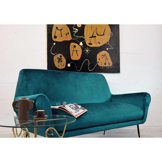 Minotti Minotti Mid-Century Modern Turquoise Sofa by Gigi Radice For Sale - Image 4 of 7