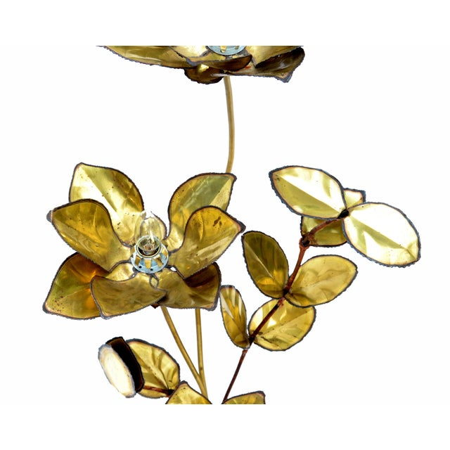 Maison Jansen French Mid-Century Modern 3 Light Cut Brass Flower Table Lamp For Sale In Miami - Image 6 of 13