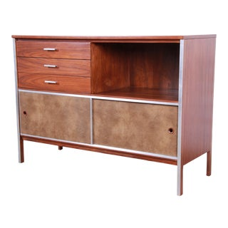 Paul McCobb for Calvin Mid-Century Modern Walnut Sliding Door Credenza / Media Cabinet, Newly Restored For Sale