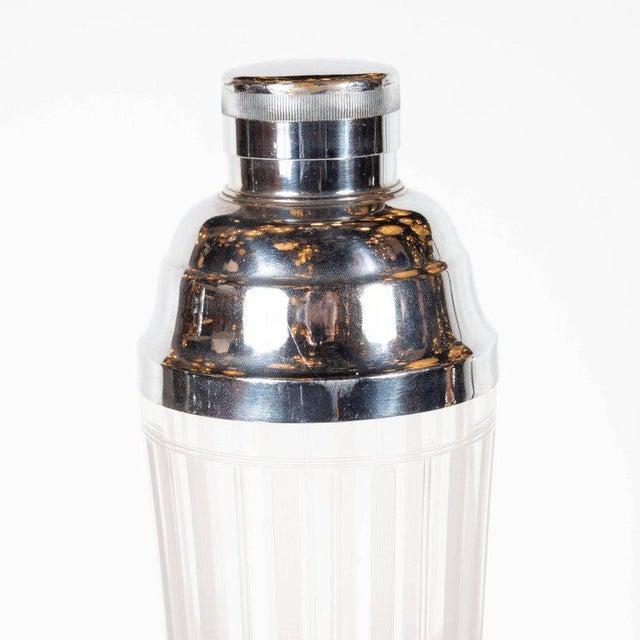 1930s American Art Deco Machine Age Etched Glass and Chrome Cocktail Shaker For Sale - Image 5 of 8