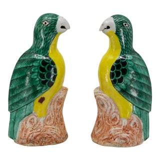 Early 20th Century Chinese Export Porcelain Parrots - a Pair For Sale