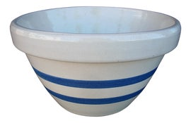 Image of Light Gray Serving Bowls