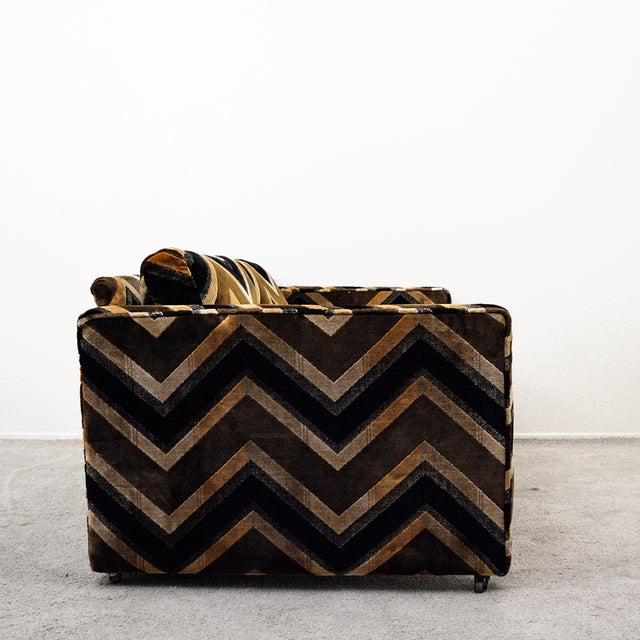 Fabric Mid Century Milo Baughman Style Case Sofa For Sale - Image 7 of 13