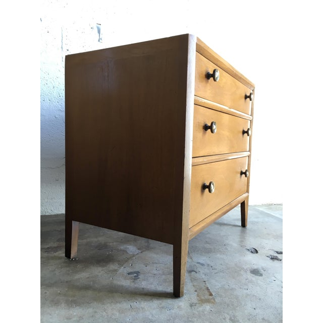 Vintage Mid Century Modern Nightstands by Mount Airy (a Pair) For Sale In Miami - Image 6 of 11
