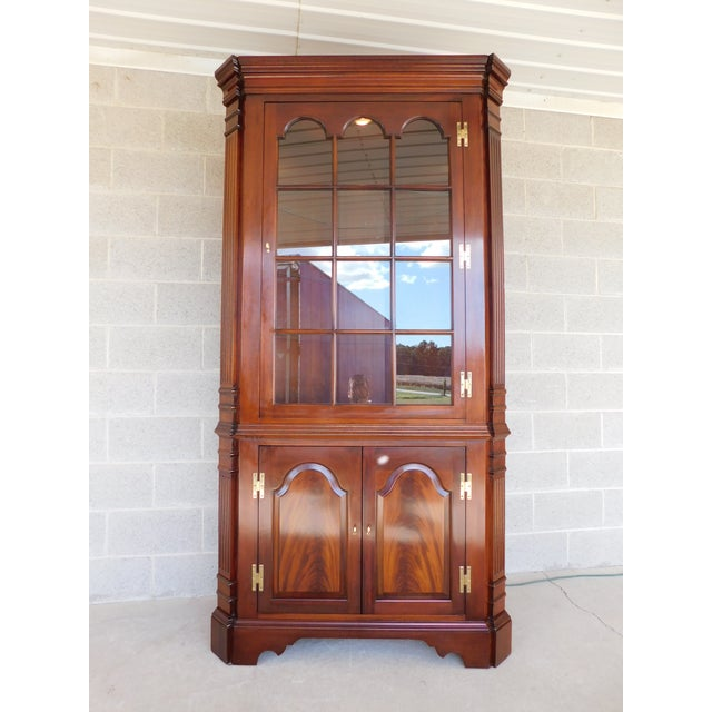 Late 20th Century Councill Craftsmen Mahogany Chippendale Style Lighted Corner Cabinet For Sale - Image 5 of 13