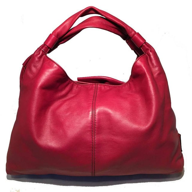 Contemporary Valentino Red Leather Bow Front Hobo Shoulder Bag For Sale - Image 3 of 8