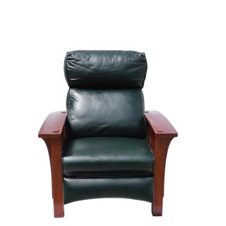 Stickley Morris Bustle Back Bow Arm Recliner