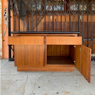 1970's Vintage Mid Century Cabinet Preview