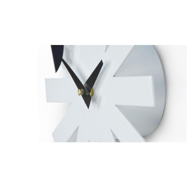 Contemporary Mid-Century Modernist White Asterisk Clock For Sale - Image 3 of 6