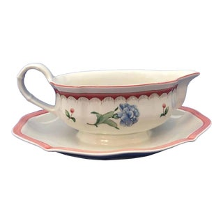 Villeroy & Boch, Jardin d'Alsace Fleur, Germany, Gravy Boat With Attached Under-Plate For Sale