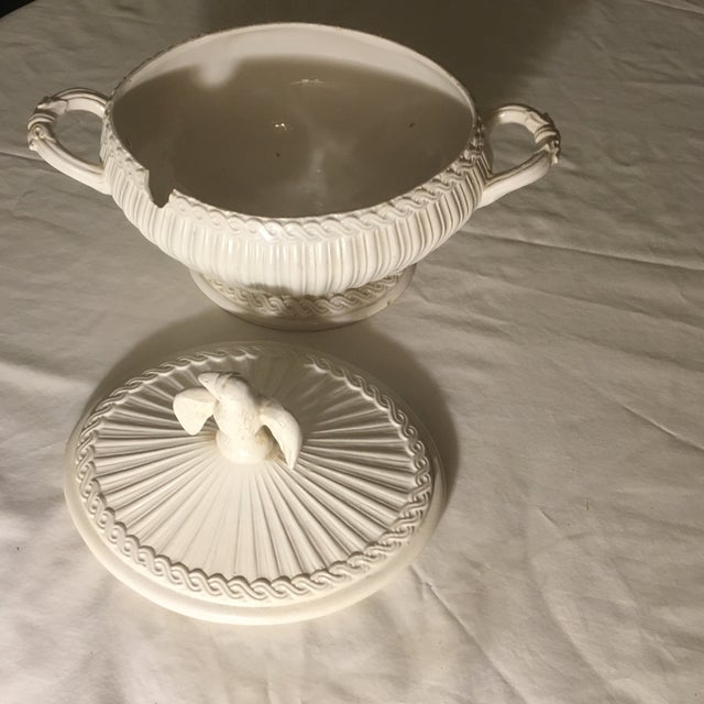 Italian Neoclassical Creamware Soup Tureen For Sale - Image 9 of 10