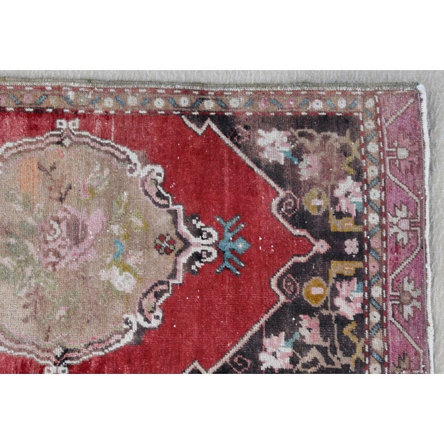 """Early 20th Century Turkish Muted Rose/Pink Accent Rug - 1'9"""" X 3'8"""" For Sale In Los Angeles - Image 6 of 10"""