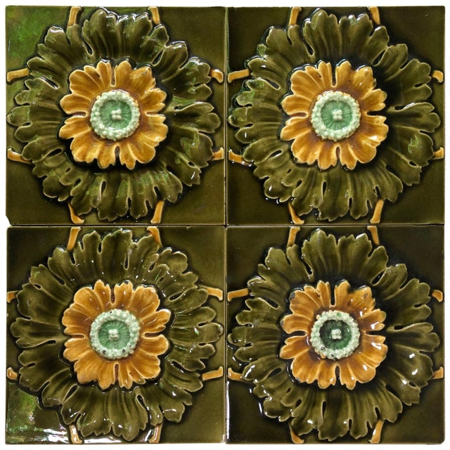 Late 19th Century French Majolica Flowers Tiles, circa 1890 For Sale - Image 5 of 6