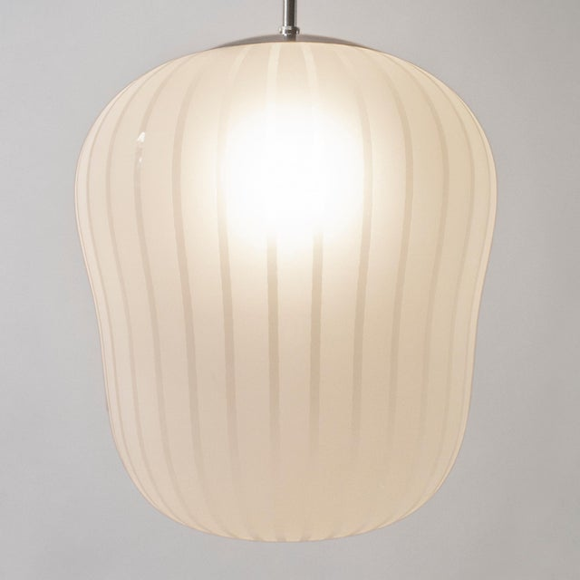 Professionally restored, rewired and ready to add to your collection. The domed nickel-plated canopy, above hanging rod...